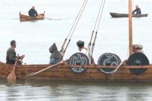 Фестиваль прадавніх човнів у Рівному триває під зливою
