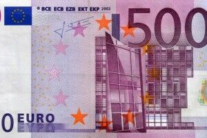 Двійко донеччан збували у Києві фальшиві 500-єврові купюри