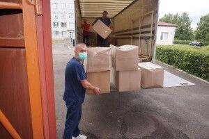 «МакДональдс» привіз кілька ящиків допомоги для волинської лікарні (Фото)