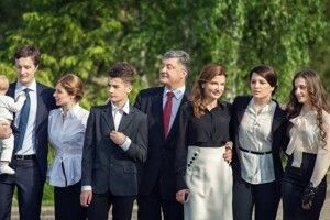 Петро Порошенко виїхав з України…