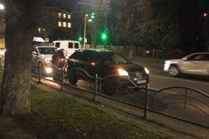 Вечірня ДТП у Луцьку: не розминулися легковики (Фото)