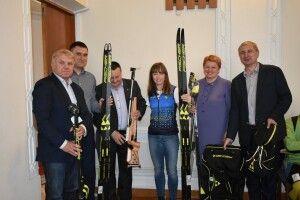 У Луцьку паралімпійській чемпіонці Юлії Батенковій-Бауман вручили спортивний інвентар на 150 тисяч