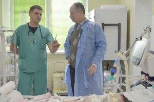 Роман Собко, який на фронті переливав пораненому свою кров, тепер рятує хворих на коронавірус італійців