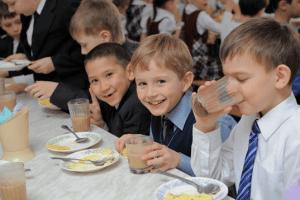 Реформа шкільного харчування: що їстимуть учні з 1 вересня