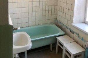 Рівняни зорганізували ремонт ванної кімнати інфекційного відділення лікарні