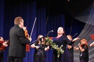«Кантабіле» привітав волинських фармацевтів класичною музикою