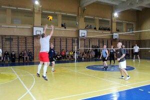 Студенти Луцького НТУ піддалися, чи чесно програли своїм викладачам у волейбол?