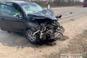 Поблизу села Немовичі Сарненського району легковик «Ford» зіткнувся із вантажівкою «DAF» (фото)