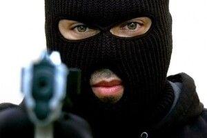 Злапали розбійника, який погрожуючи пістолетом намагався відібрати автомобіль в депутата з Каменя-Каширського