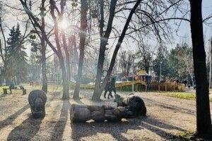 Дитину вбила дерев'яна скульптура ведмедя