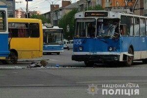 У Вінниці не розминулися трамвай з тролейбусом