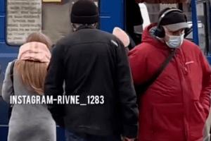 У Рівному маршрутник побився з пасажиром (Відео)