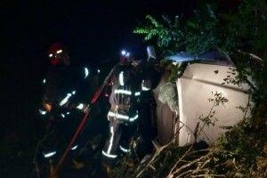 На Рівненщині рятувальники витягнули водія із понівеченого у ДТП автомобіля