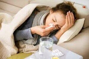 Люди, які не хворіють на коронавірус: лікар пояснив, що їх захищає