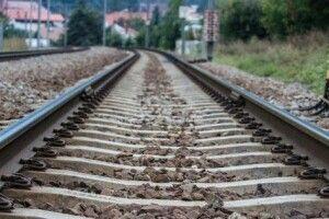 У Рожищенському районі поїзд переїхав місцеву жительку