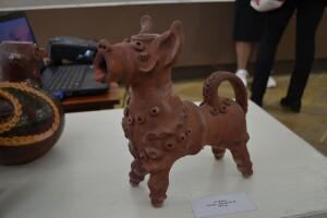 У Луцьку виставили жаданівського собаку (Фото)