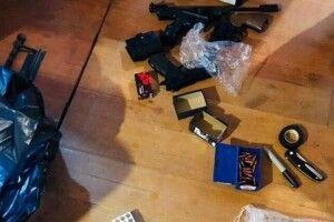 На Волині поліцейські викрили місцевого жителя в незаконному виготовленні боєприпасів та переробці зброї