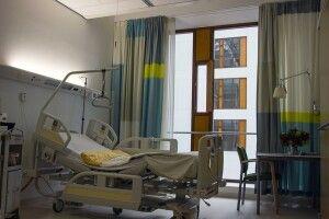 На межі колапсу: на Рівненщині лікарні забиті хворими з коронавірусом, лікарів не вистачає, кисню немає