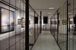 Мистецтво з-за ґрат: уМузеї Гончара відкрилась виставка картин ізродинної колекції Порошенків