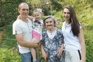 У свої 85 Тамара Макаренко згадує зйомки у фільмі  з В'ячеславом Тихоновим