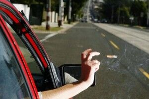 Понад 15 тис. грн. штрафу отримав водій за викинутий з машини недопалок (Фото)