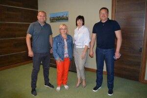 Артистка і політик Оксана Білозір презентувала на Волині проєкт для малого бізнесу