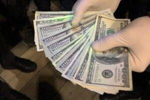 На Волині податківця затримали на отриманні хабаря (Фото)