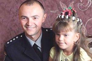 Поліцейський Василь витягнув Вікусю з того світу (Відео)