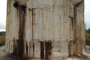 Біля Ковеля тріщать по швах резервуари з отруйними відходами