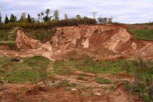 У Сарненському районі на кар'єрі піском засипало двох дітей