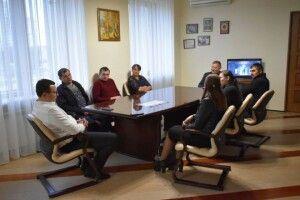 Встигнути до зими: у Стобихівці сьогодні взялися за школу-довгобуд