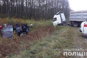 На Волині моторошна ДТП між Копиллям і Граддям: внаслідок зіткнення вантажівки «Volvo» та легковика «Opel Astra» загинула 47-річна жінка