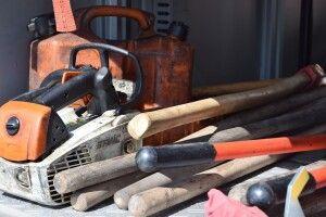 У 69-річної волинянки злодій поцупив бензопилку