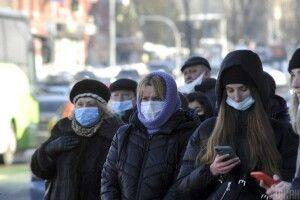 Третя хвиля коронавірусу: протягом доби померло понад 100 українців