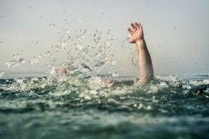 У Польщі в озері потонув українець