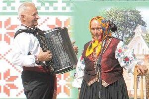 91–річна активістка співає наперекір усім негараздам