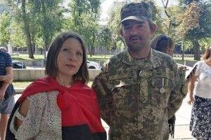 «Тепер діти просять нас говорити зними українською. Інакше ми вороги…»