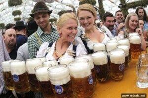 «Пиймо, браття, пиймо тут! На тім світі не дадуть!»: Харківські комунальники закупили дві тисячі літрів пива