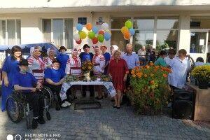 Луцький геріатричний будинок святкував річницю під гаслом «Віват пансіонат» (Фото)