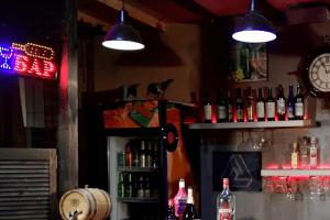 З власника бару у Луцьку стягнуть 96 тисяч гривень за «нелегальну» музику