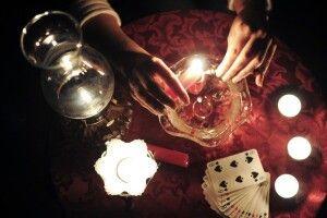 УЧечні чаклунів примушують каятись потелебаченню
