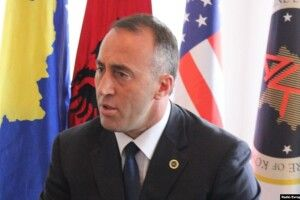 Прем'єр-міністр Косова подав у відставку після висунення звинувачення у скоєнні військових злочинів