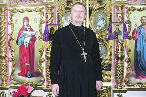 Коли в країні війна, священик  має бути і капеланом, і волонтером