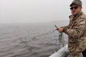 На Ратнівщині з озера дістали кількасот метрів браконьєрських сіток