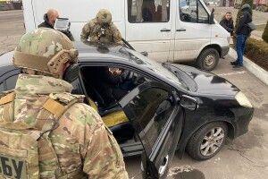 Поліцейський з Житомирщини попався на хабарі на Рівненщині