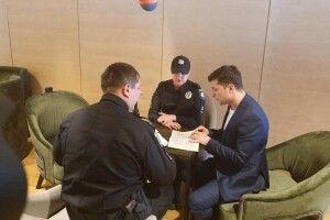 У штаб Зеленського приїхала поліція (Фото)