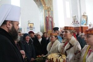 Митрополит Михаїл гайнув колядувати до Лаврова (фото)