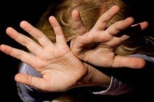 Волинянин зґвалтував неповнолітню доньку своєї співмешканки