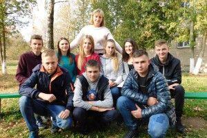 Вчителька із Сенкевичівки уроки рідної мови і літератури часто проводить на свіжому повітрі