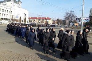 До Луцька приїхало понад  триста греко-католицьких монахів і шестеро єпископів